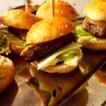 mini-burgers du chef avec crudités et viande ariégeoise