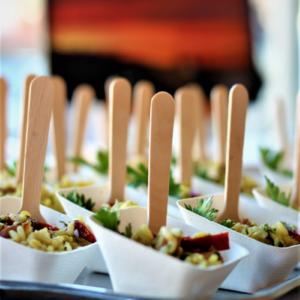 Verrine de salade à l'espagnole pour vos buffets gourmands